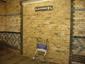 Il Binario 9 e 3/4 alla stazione di King's Cross.